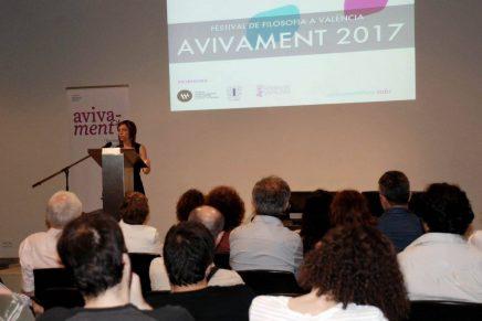 Vídeo de la conferencia de Laura Llevadot #Avivament2017